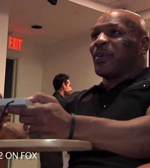 Mike Tyson Doesn't Know How to Play Mike Tyson's Punch Out
